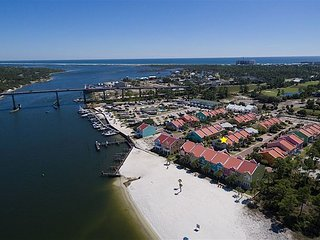 Colorful 2BR, 2BA Perdido Key Villa w/Private Beach Access, Pool and Spa, Cayo Perdido