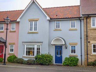 BLUE BAY HOUSE, pet-friendly, WiFi, on-site facilities, Filey, Ref 948040