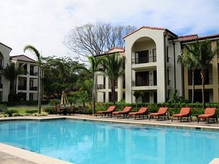 Enjoy a luxurious complex close to the beach and with incredible common areas
