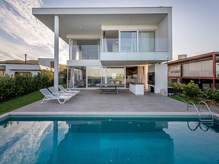 Modern & Luxurious Frontsea Mansion in South Campeche