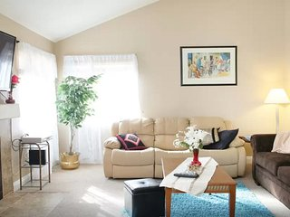3/BD, Pool, 10 mins from the Strip.