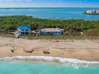 La Dolce Vita: Ocean-2-River Beach House Directly On Beach (+pool,elevator&dock), Stuart