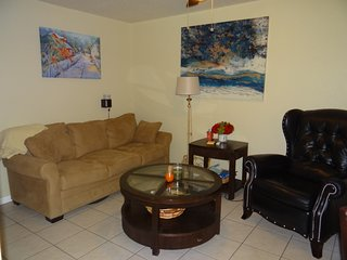 furnished short term rental 20 minutes to Lego Land, 20 minutes to Lakeland.
