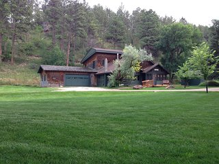Vacation Home on Rapid City's Canyon Lake Thirty Minutes from Mount Rushmore