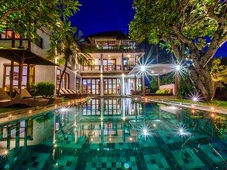 Spacious 4 BD Modern Style Villa Near Canggu Beach