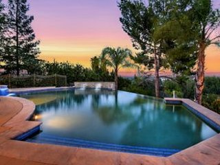 Tarzana Estate with 360 views