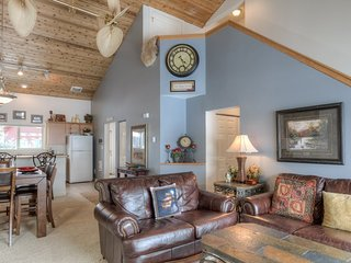 Big Sky Town Center- Spacious Chalet