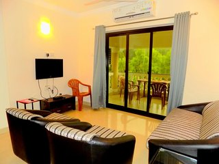 Serene Stay in a Penthouse in Siolim: CM020