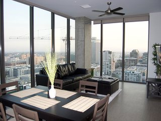 Penthouse Living With Best View in LA.  Live like a rockstar!, Los Ángeles