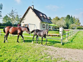Stunning Calvados country house with garden, close to golf and Deauville beach - 10 people, Quetteville