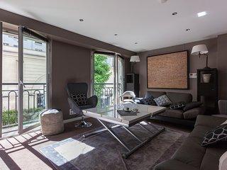 onefinestay - Rue de la Roquette private home, París