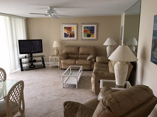 Tranquil Gulf Side 2BR with TV/DVD, balcony #404GS, Sarasota
