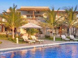 Azul Villa Carola, Sleeps 12, Puerto Morelos