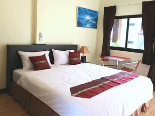 Kamala Beach Guesthouse - Room 1