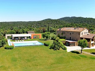 Mas Mateu, Sleeps 25, Torrent