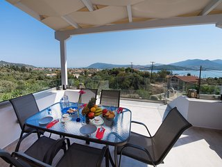Lygia loft style maisonette 10min from the beach