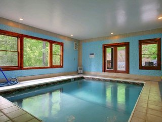 Secluded 6 Bedroom Private Indoor Pool Cabin with Hot Tub and Mountain Views, Cosby