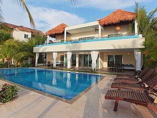 Villa Maroma, Sleeps 10, Playa del Carmen