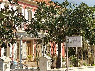 Magnolia Apartments Near Fiscardo large pool and Gym. - Magnolia Apartment No 1