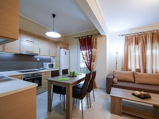 Spacious & new apt. next to city Centre, Thessaloniki