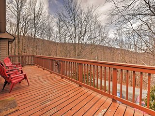 Wonderful Beech Mountain House w/ Forest Views!