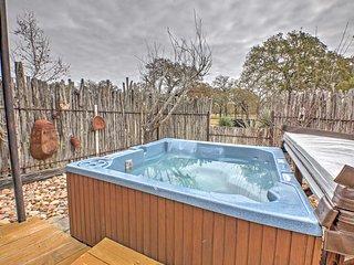 'Art Bunkhouse' Fredericksburg House w/ Hot Tub!