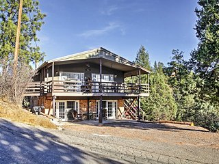 4BR Ruidoso 'Bear Hill Cabin' w/ Game Room!