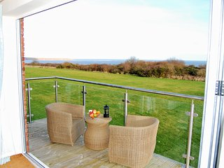 Luxury holiday cottage with free access to pool, gym and unlimited free wi-fi, Filey