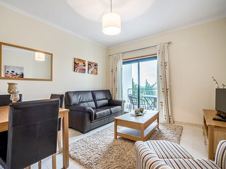 Vista das Ondas 2bed apartment w/ tennis court & wifi