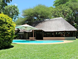 Re a Lora Lodge, Bela Bela
