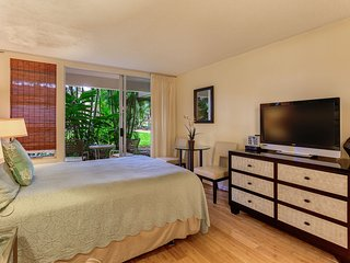 Renovated; Clean Ground Floor Unit; Walk to Top Rated Kihei Beach!