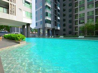 30th Floor 2 Bedroom City Centre Condo With Amazing Views