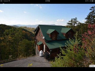 NEW! PRIVATE! MAGNIFICENT MOUNTAIN VIEWS!, Sevierville
