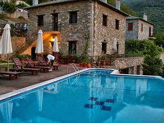 Miression Holiday House, Mouresi