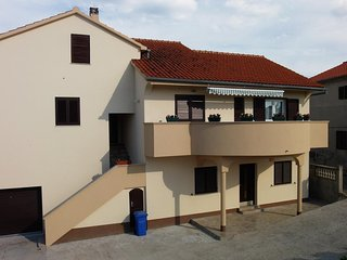 Apartments Jurjako- One Bedroom Apartment with Garden View, Murter