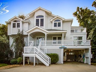 Beach House on the Moon: 8 BR / 7 BA eight bedroom house in Duck, Sleeps 24