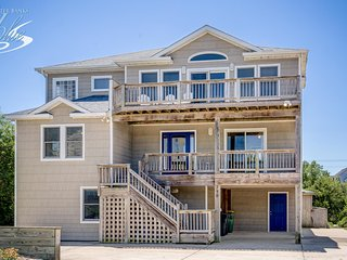 Beacon's Watch: 7 BR / 7 BA seven bedroom house in Corolla, Sleeps 18