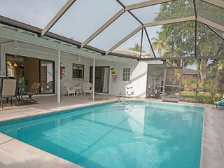 3 Bed 2 Bath Home Fully Equipped With Everything You Need For The Perfect Vaca!, Marco Island