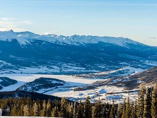 King Master & Great Views! Mins To Breckenridge/Keystone/All Skiing/Hiking- Indo