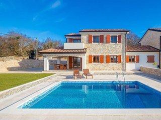 13501 Wunderschöne Steinhaus mit Pool mit 3 Schlafzimmern