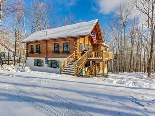 Classic three-level cabin w/ fireplaces, modern conveniences, ski trails outside