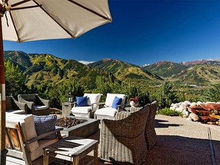 Red Mountain Luxury Ski Chalet with Panoramic Views in Aspen