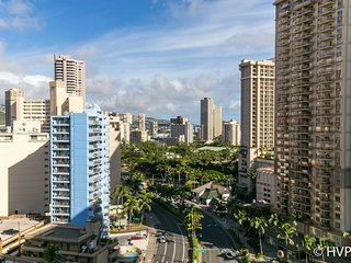 Ilikai 1507 City / Mountain Views 2 Double Beds, Sofa Bed, Honolulu