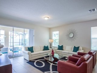 Lovely 6 Bedroom 5 Bath Pool Home in WestHaven the Dales. 1210YC, Davenport