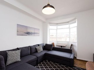 Charlotte Street apartment in Westminster {#has_l…