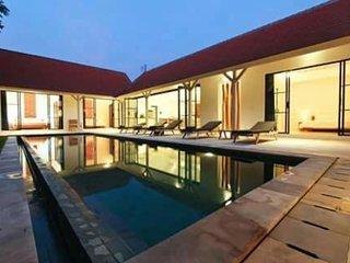 Elegant 4 Bedroom Villa, Canggu