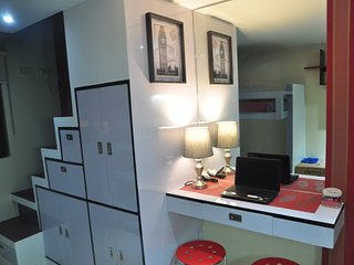 Cozy Condo Loft Type Unit in Makati For Travelers with WiFi