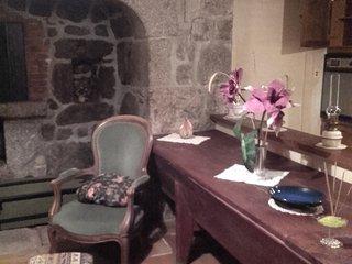 Maison meublée à côté de la Tour des Anglais, Saugues