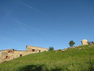 2 belles et grandes maisons mitoyennes, chacune autonome, pour 8 personnes