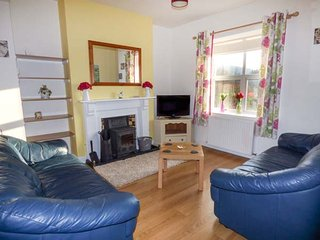 THE CRAIG, pet-friendly, enclosed patio, WiFi, Llanelwedd near Builth Wells, Ref 936021